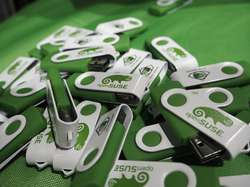 openSUSE USB Sticks